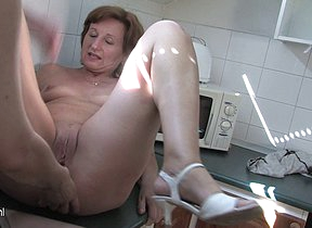 Several mature lesbians love to get wet