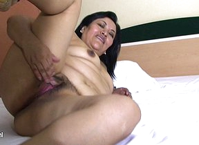 Horny mature Anna loves to play near herself