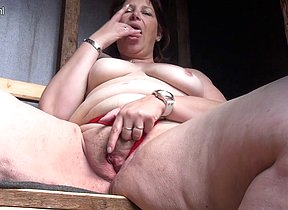 This naughty mama loves to swell up cock