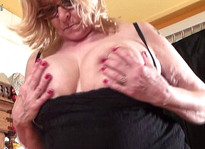 This big mama loves showing off her big tits