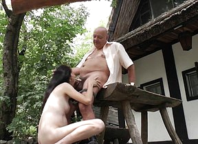 Hot babe doing an old pervert in the open air
