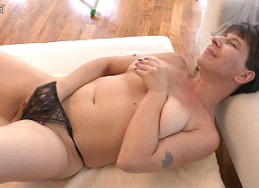 Deleterious housewife getting hot during her simulate