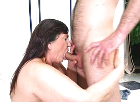 This big mama loves to fuck and drag inflate the brush younger lover