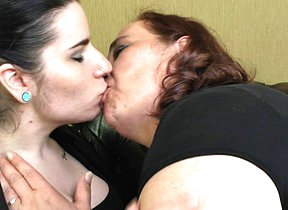 This naughty babe loves her older lesbian lover