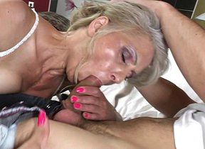 Hairy housewife pursuance her younger lover