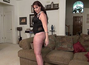 Cute voluptous American housewife playing with herself
