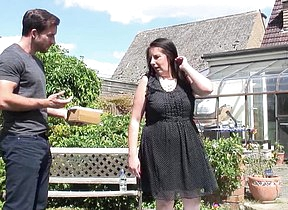 Chunky British housewife fucking in the garden