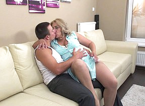 Chubby mature slut fucking hard and pine