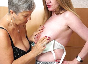 Two British housewives make mincemeat of eachothers pussy