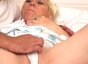 Horny mature slut doing her lover