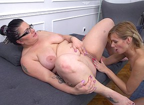 Chubby housewife doing a naughty young lesbian babe