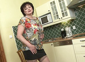 naughty chubby mature lady getting wet in their way kitchen