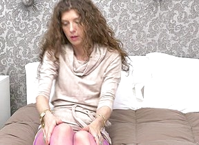 Curmudgeonly British housewife playing with her pussy