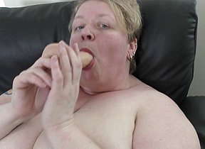 Horny fullgrown BBW effectuation with herself