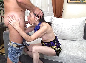 Naughty mature old bag fucking and sucking