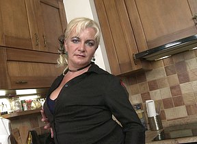 Naughty housewife effectuation in the kitchen