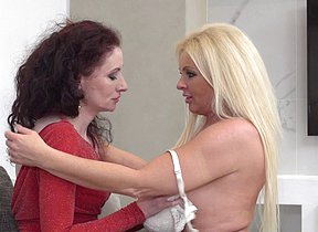 Two naughty housewives get their lesbian groove on