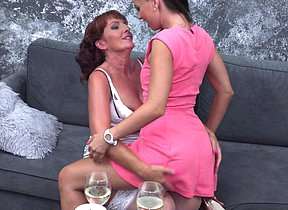 These naughty mature girlfriends go all dramatize expunge way