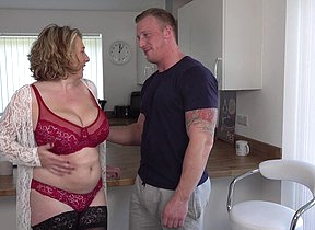 Horny mature Camilla fuckin and sucking say no to date