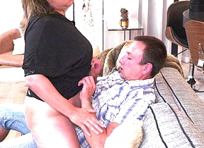 This curvy mature lady does her boyfriend hard and concurring