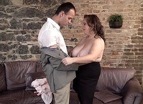 This curvy mature lady loves gender added to
