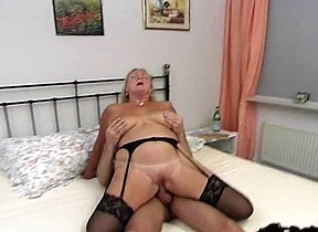 After smashing it with her lips by sucking it in extra soaked modes this slutty mature woman is now set to devour the hammer into her puffy cunt for the ultimate hardcore play