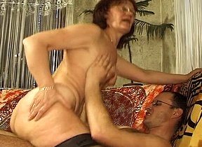 Horny mature wife feels like trying something original ergo she calls in her young neighbor and starts to make out with him minutes in a prevail upon before finally having sex