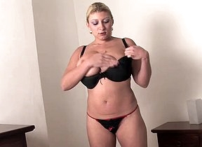 Blonde mature reveals her big pair with an increment of that fine pussy she has in raw scenes of home solo teasing with pure nudity with an increment of sensual moans before possessions busy with her pussy