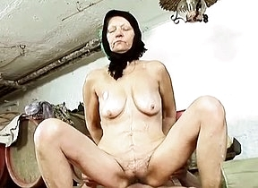 Amateur granny feels cock in will not hear of furry cunt during a pretty steadfast sex play thing which makes will not hear of moan a lot and shake those saggy tits like shes a slut
