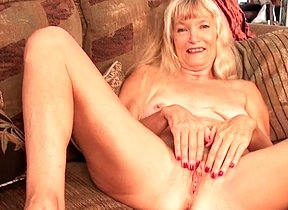 Slutty granny stretches her pussy in really hot modes by categorization it and pinching it part of a kinky solo play that propelling her to a wild creep
