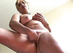 Horny mature slut Teresa loves effectuation with her toys