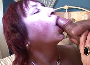 Kinky mature mama gets her mouth filled with cum